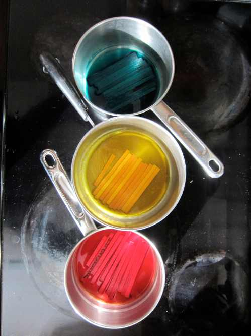 coloring wood with food dye